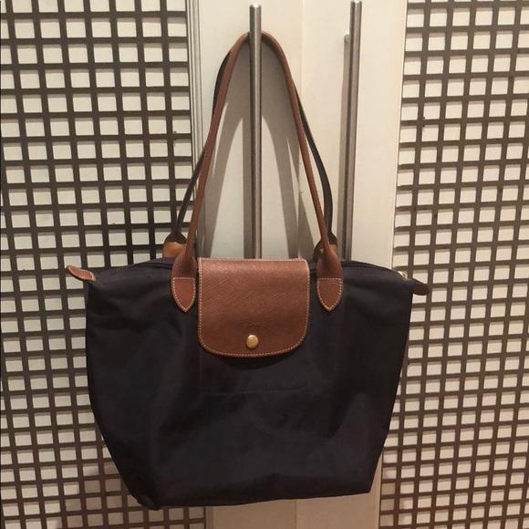 e4f6a75badc Longchamp Handbags - Longchamp Le Pliage Tote, Medium